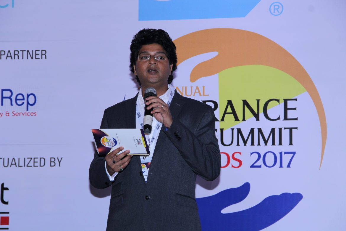Sri announcing the awards 1